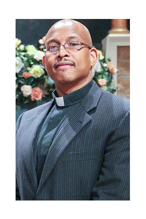 pastor_saintjames_300x450